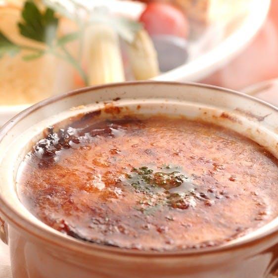 【アップグレード】プラス500円でオニオングラタンスープに変更