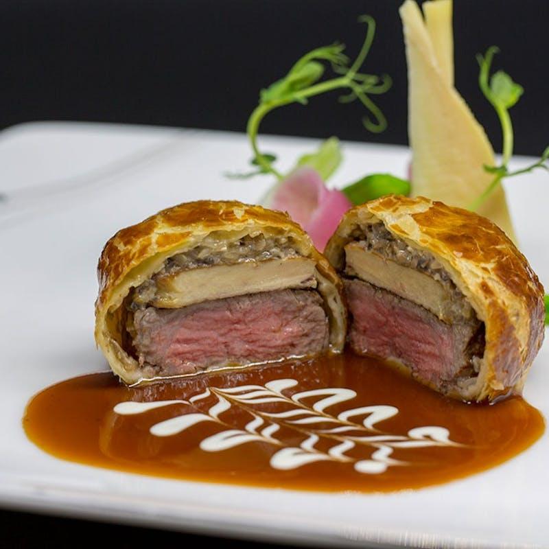 【Escale】国産牛とフォワグラのパイ包み焼き含む全7品