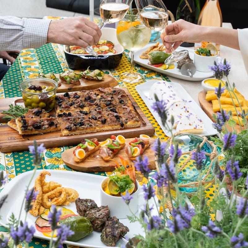 【テラス席確約!プロヴァンス BBQテラス】南仏リゾート気分のディナー+ノンアルコールフリーフロー