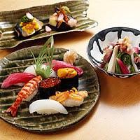 自然光の差し込むプライベートダイニングで楽しむ江戸前寿司
