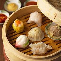 広東・北京・上海・四川の中国四大料理の代表的なお料理や飲茶をお楽しみください