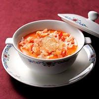 ホテルオークラ神戸伝統の一品 「蟹の玉子入りふかひれスープ」