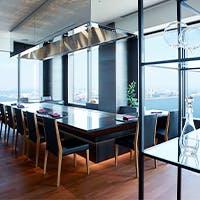最上階35階からの景色とスタイリッシュな空間