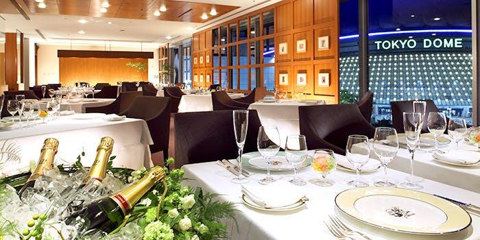 記念日におすすめのレストラン・Dining DEUX MIL(ドゥ ミル)の写真1