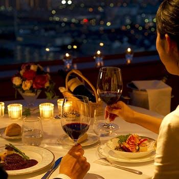 食事に彩りを添える豊富なワイン