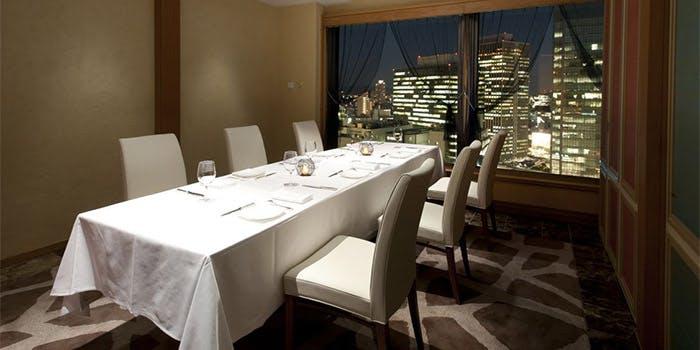 記念日におすすめのレストラン・フレンチレストラン フルーヴ/ホテルグランヴィア大阪の写真2