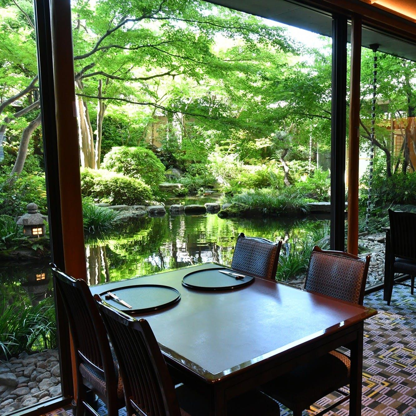 美しい日本庭園を見ながら、非日常の時間を