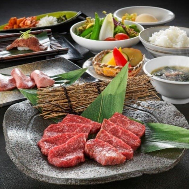 【焼肉/9種類からから選べる満足セット】海鮮or赤身肉などからメインを選べる全9品