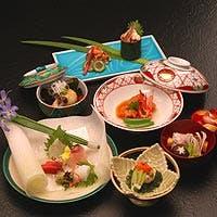 まごころのおもてなし。旬の食材に彩られた伝統と今様の日本料理