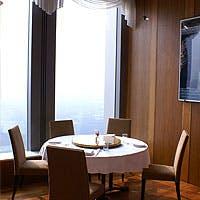 最高の広東料理と、窓から望む美しい夜景