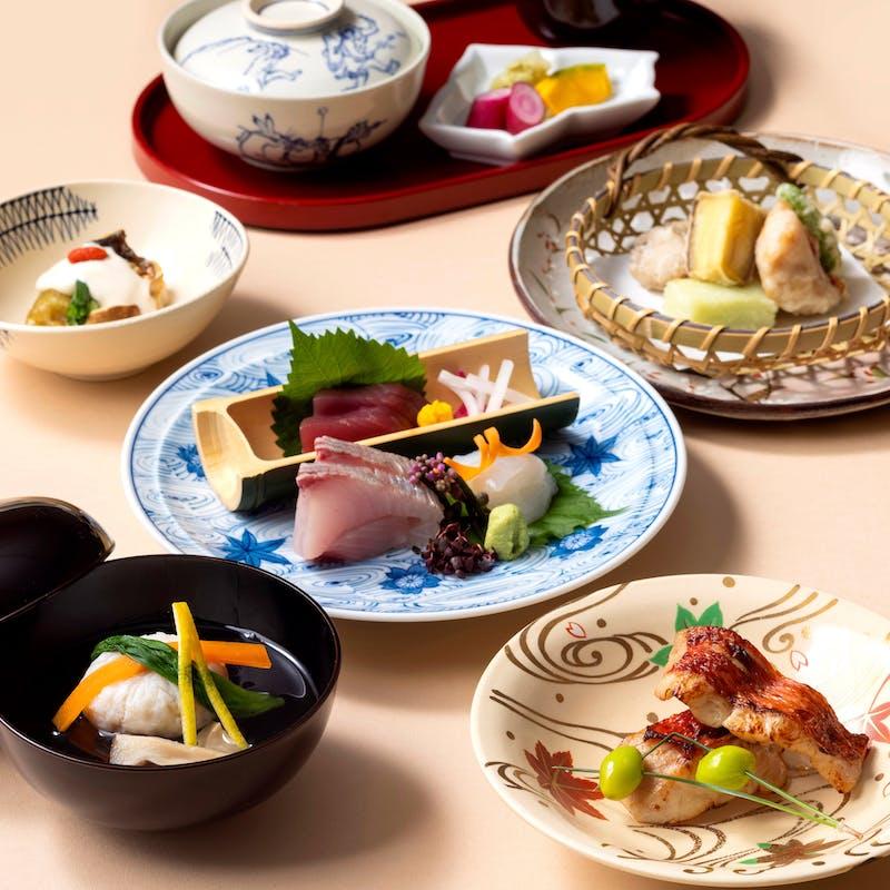 【薫】椀物、造り、焼物、牛肉料理など全8品+1ドリンク