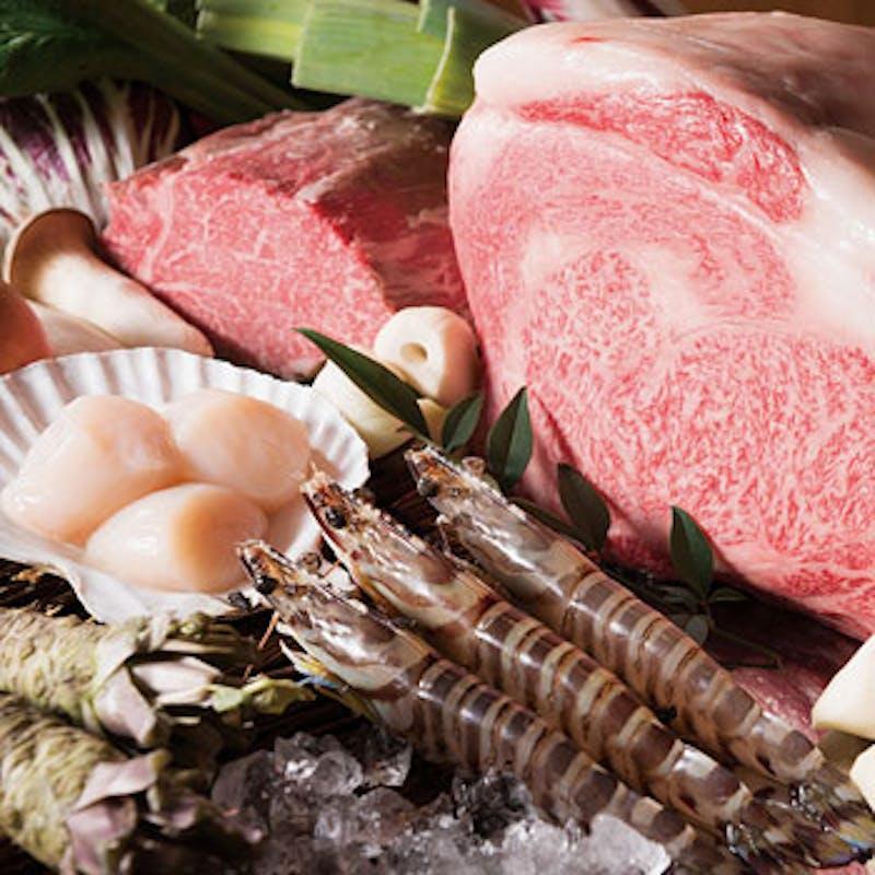 【凛】黒毛和牛ステーキ、活車海老など海の幸も味わえる全7品