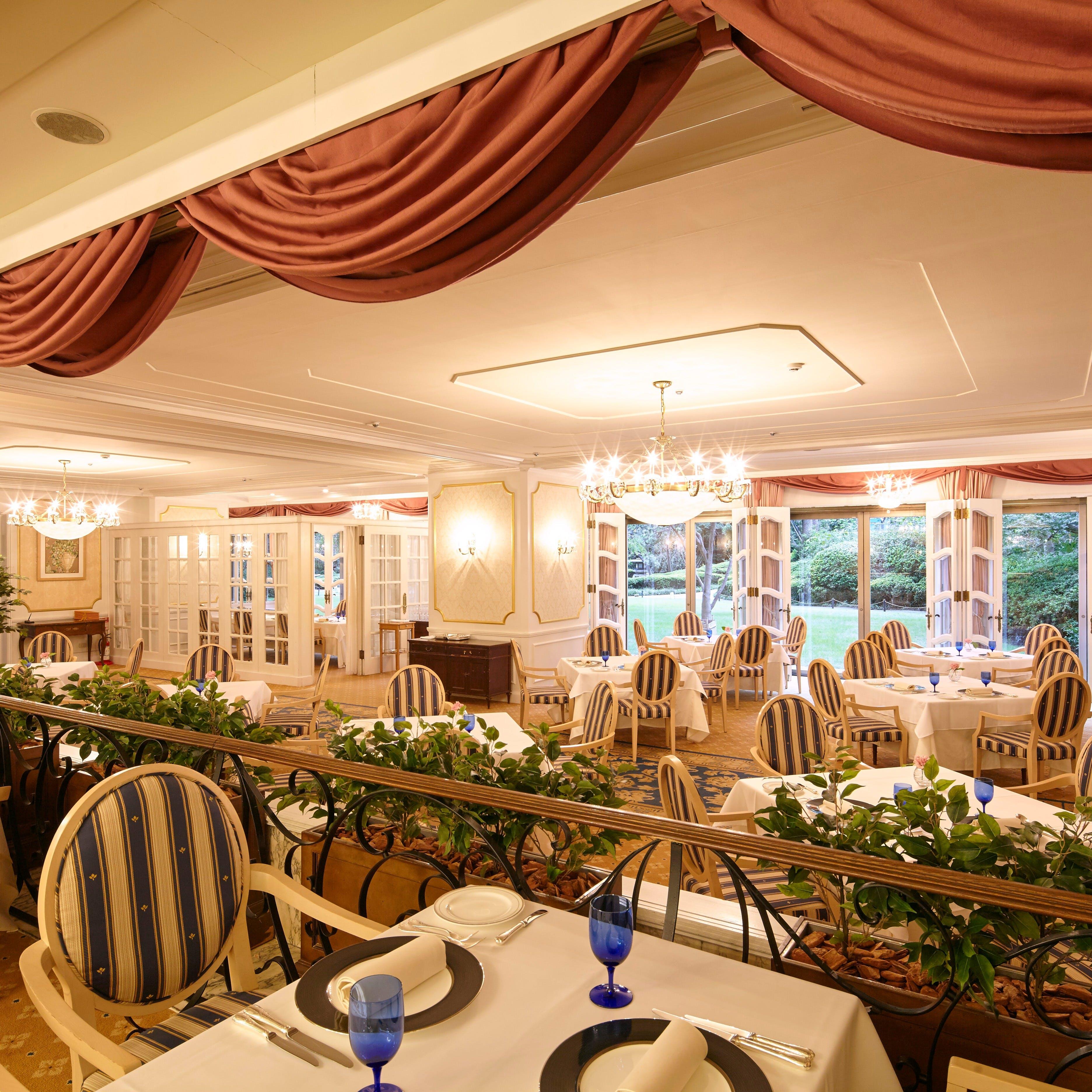多彩なシーンでご利用いただける、宮殿を想わせる優雅な空間
