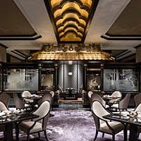 洗練されたエキゾチックな空間でいただく広東料理
