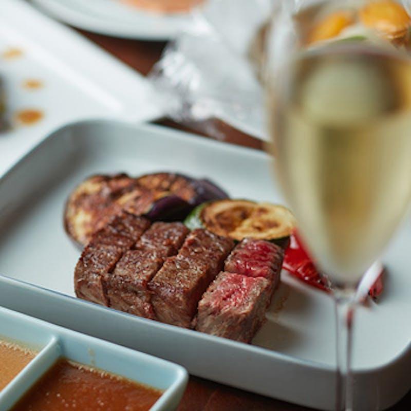 【ディナーBコース】海鮮料理とけやき坂ビーフの食べ比べ!+スパークリングを含む1杯(早期割)