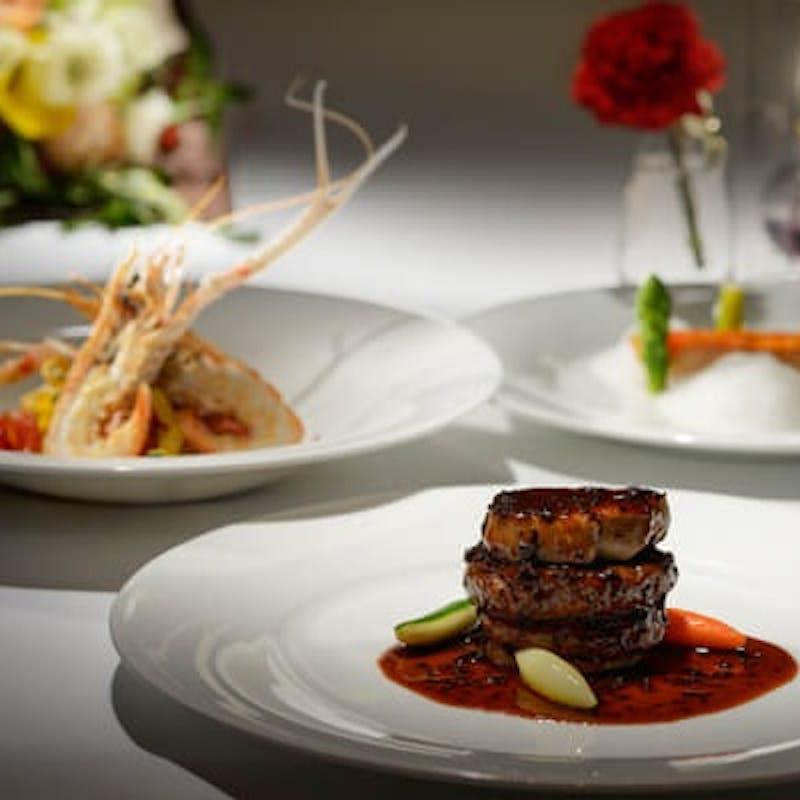 【お祝いコース】天然真鯛に国産牛フィレ肉!エスト渾身のお祝いフルコースで大切な記念日を彩って