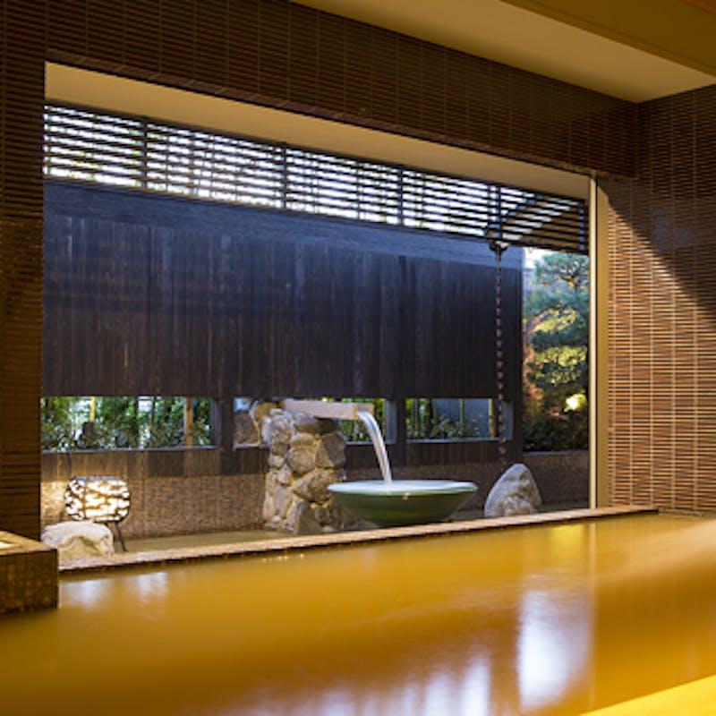 【スパキュイジーヌ】シェフの美食で身体の中から美しく+源泉かけ流し温泉入浴+食前酒付