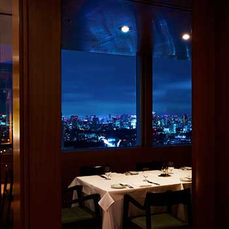 <Degustation>前菜2品、魚&肉料理、デザート全5品+窓際半個室確約(リクエスト予約)