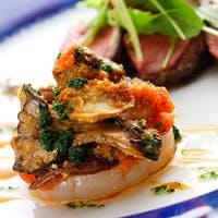 新鮮で安全な食材とお客様の健康に気遣い、素材の持ち味と自然の美しさを生かすお料理