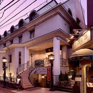 元町通りから1本入った仲通りに静かに佇むレストラン