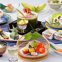 四季折々の食材をもとに、大切なお客様をまごころ込めて、おもてなしさせて頂きます