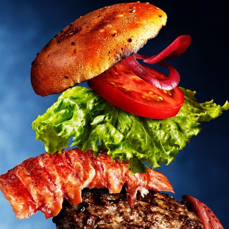 旨味が凝縮されていて味わい深いハンバーガー