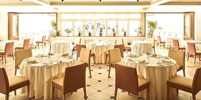 記念日におすすめのレストラン・レストランひらまつ レゼルヴの写真1