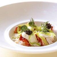 最高級の技術と感性から創り出される芸術的なフランス料理