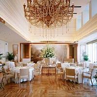 地上42階、名古屋屈指の景観を誇る天空のレストラン