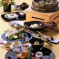 季節感のある地元の食材を、心温まるおもてなしでお迎えします。