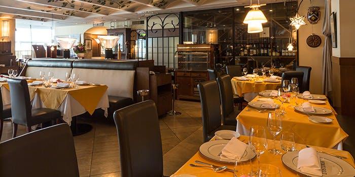 記念日におすすめのレストラン・RISTORANTE L'OSTERIAの写真1