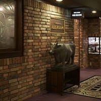 アールヌーボー様式の落ち着いた内装、隠れ家的な雰囲気のお店です