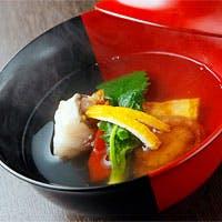 魚は天然ものを、野菜は露地物を使用し、焼き物は炭火で焼く事を1番に考えてます