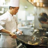 ●国内外から高い評価を受ける、料理長 王の本格広東料理