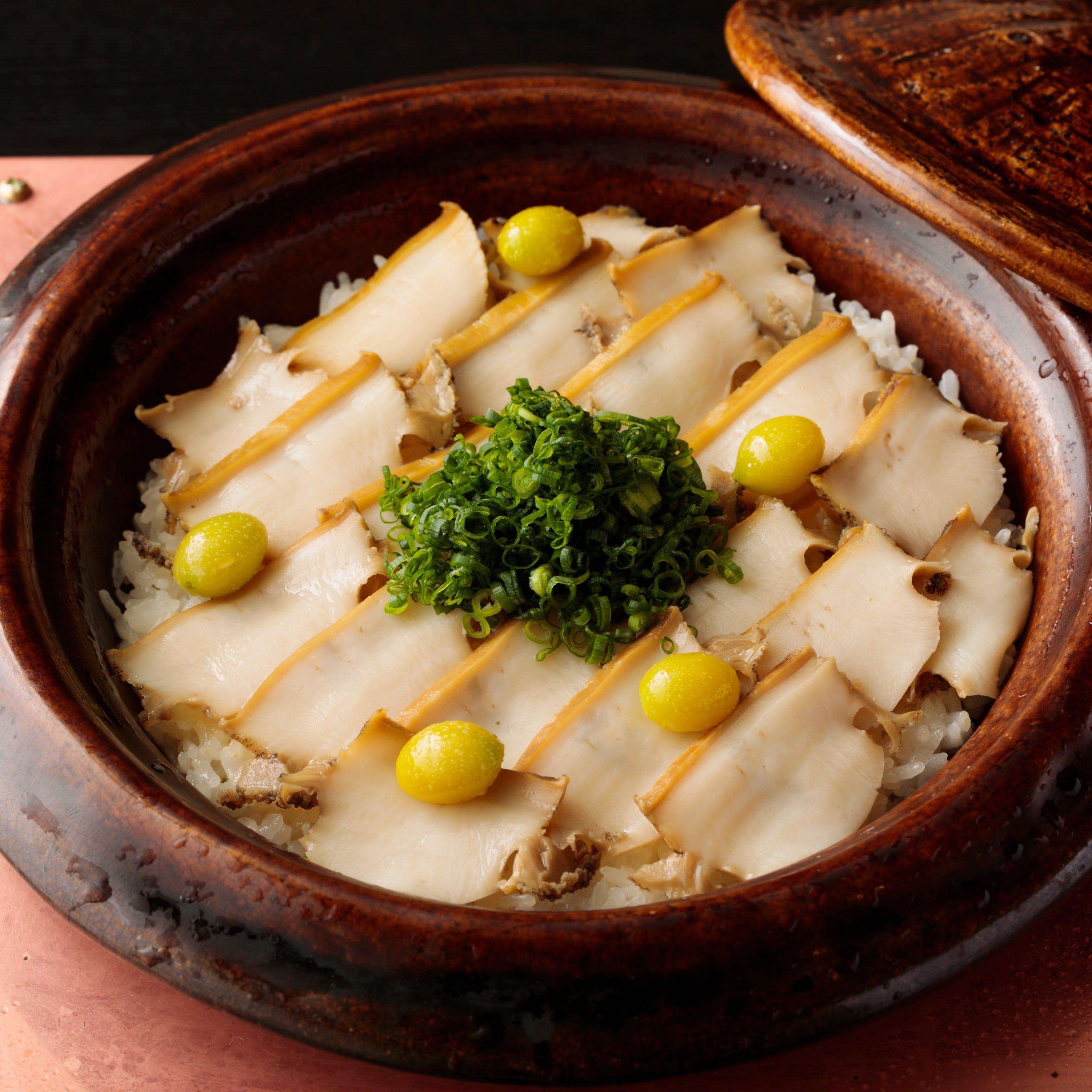 """名物""""季節の土鍋御飯""""小さなお店だからできる精一杯のおもてなしを・・・"""