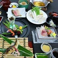 貴船右源太 冬季名物料理~氣生根鍋(きふねなべ)~