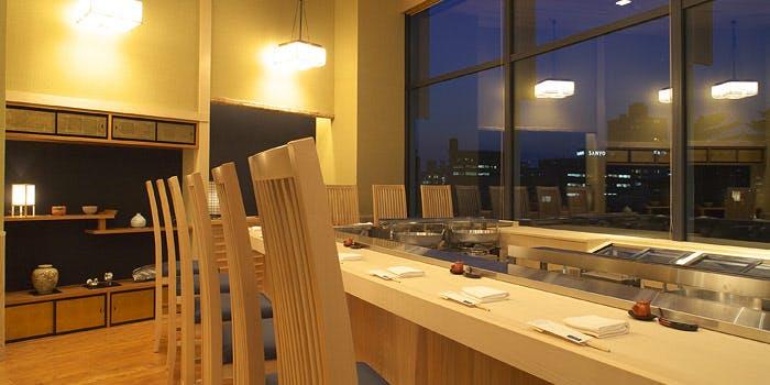 記念日におすすめのレストラン・てんぷら山の上Roppongiの写真1