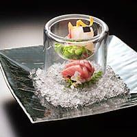 「料理と器」。四季折々の旬を紡ぐ美しい日本料理