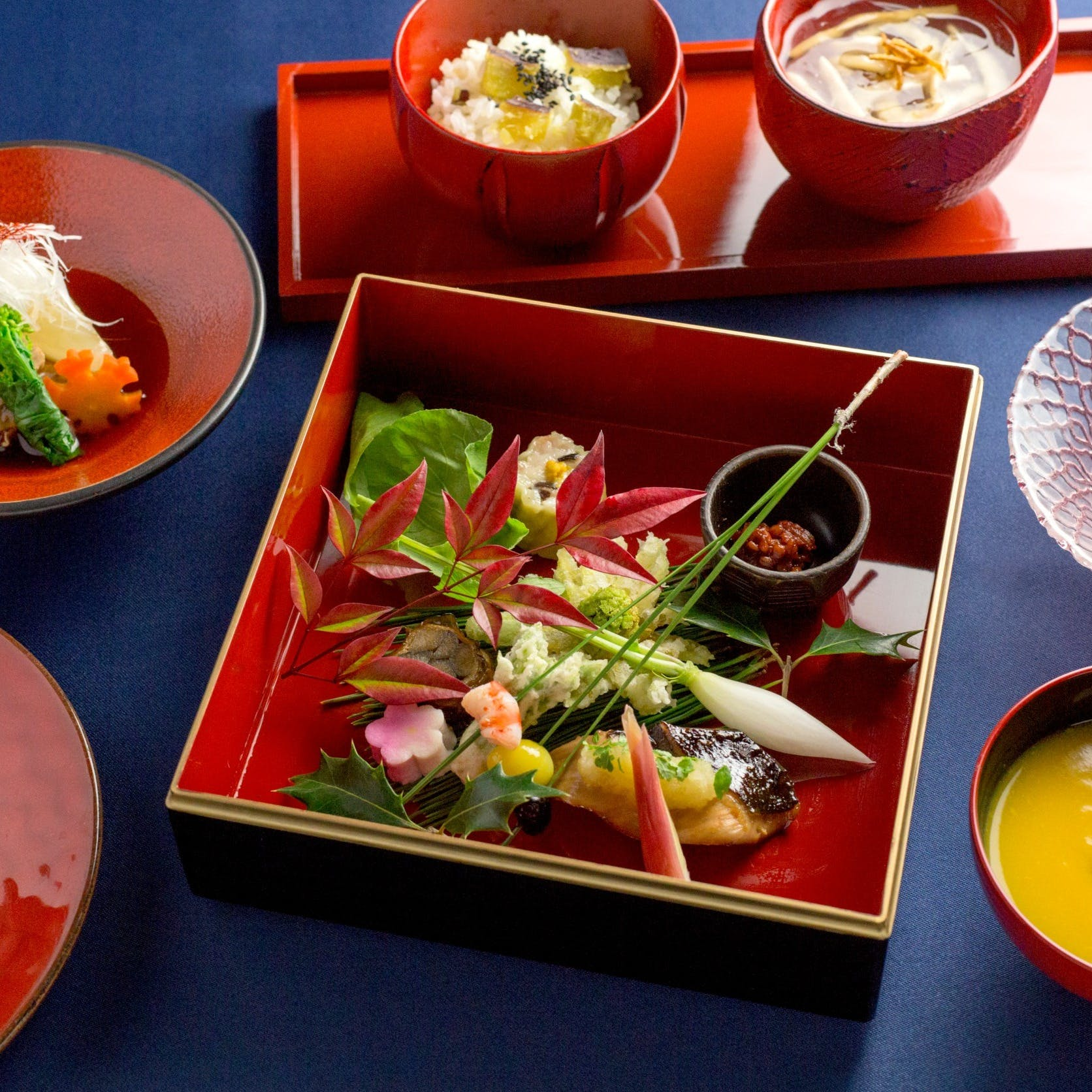 お手頃なランチから本格ディナー会席まで旬の食材をふんだんに使用した和食