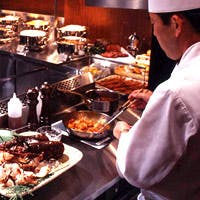 腕によりを掛け工夫したお料理や人気メニューをぜひ一度ご賞味ください