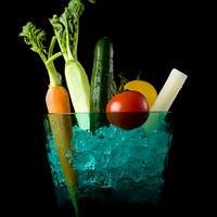 新鮮な野菜、焼きたてのパンなど、串揚げとも相性のいいメニューをラインナップ