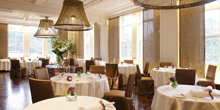 記念日におすすめのレストラン・ジャルダン ポール・ボキューズの写真1