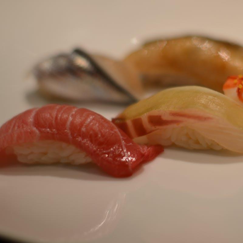 <和食>【和食で大人気コース】車海老、雲丹、鮑などの天婦羅・江戸前握り寿司8貫を堪能!+1ドリンク