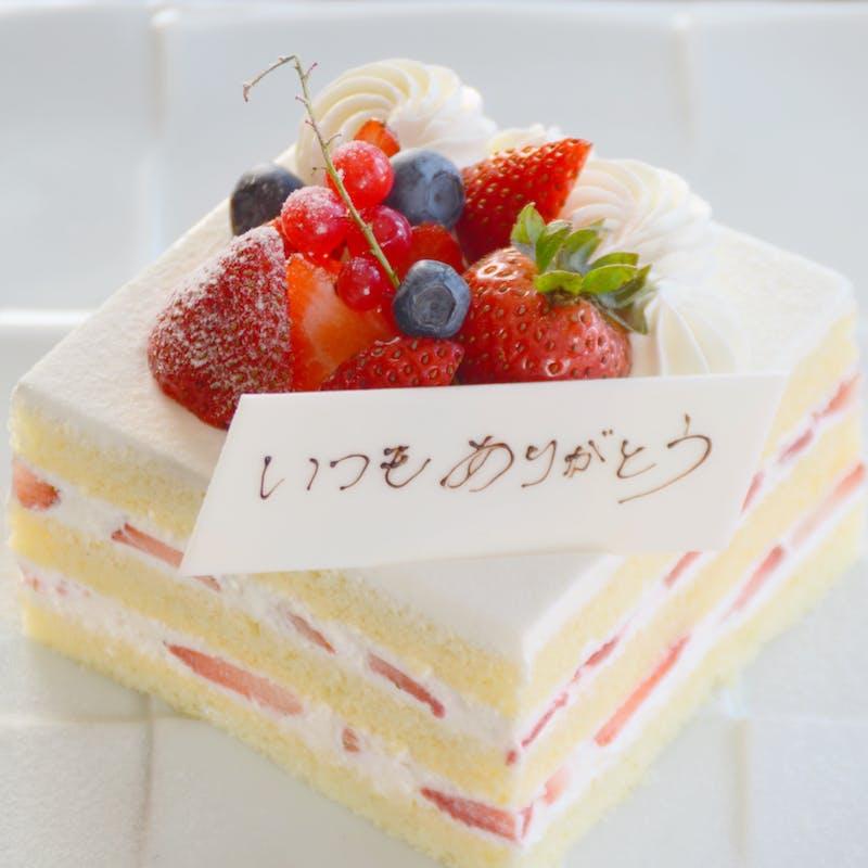 <和食>【記念日】新鮮苺のホールケーキ付!旬の食材の天ぷら、特選牛のすき焼き仕立て等+1ドリンク