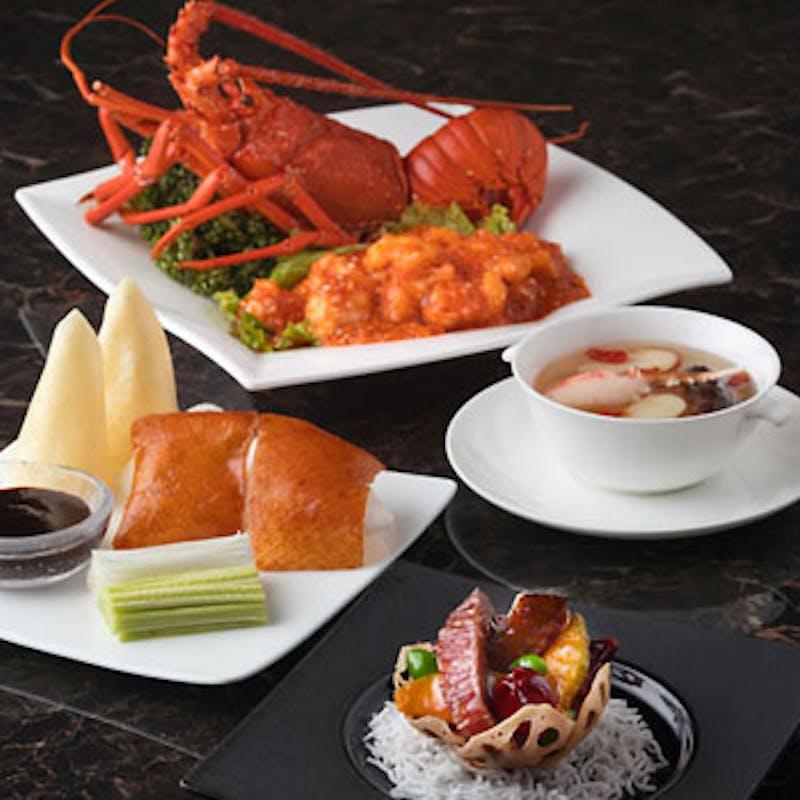 料理長おすすめコース~鮑や北京ダックなど豪華食材使用の全8品~+選べる1ドリンク(5名~個室も選択可)