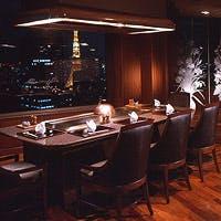 ホテル37階最上階より東京の夜景を見下ろしながら目の前の鉄板で調理いたします