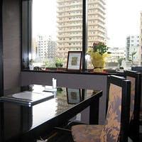 地下鉄・お車、ともに交通便の良い堺筋に面したビルの五階にある、隠れ家和食です