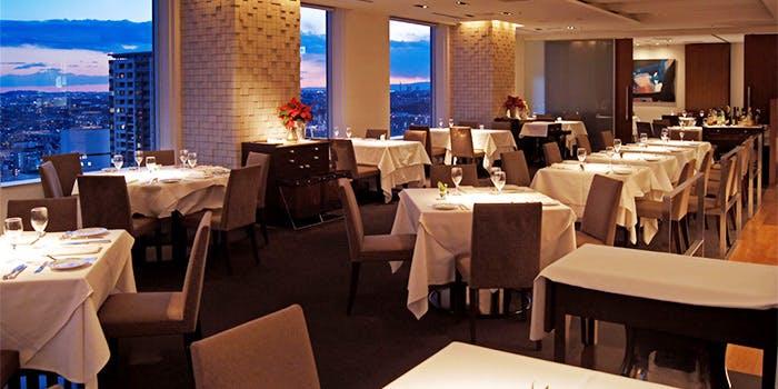 記念日におすすめのレストラン・ミクニ ヨコハマの写真2