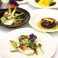 """旬の江戸東京野菜が主役のテーブルで、""""都産都消""""のフレンチを堪能する"""