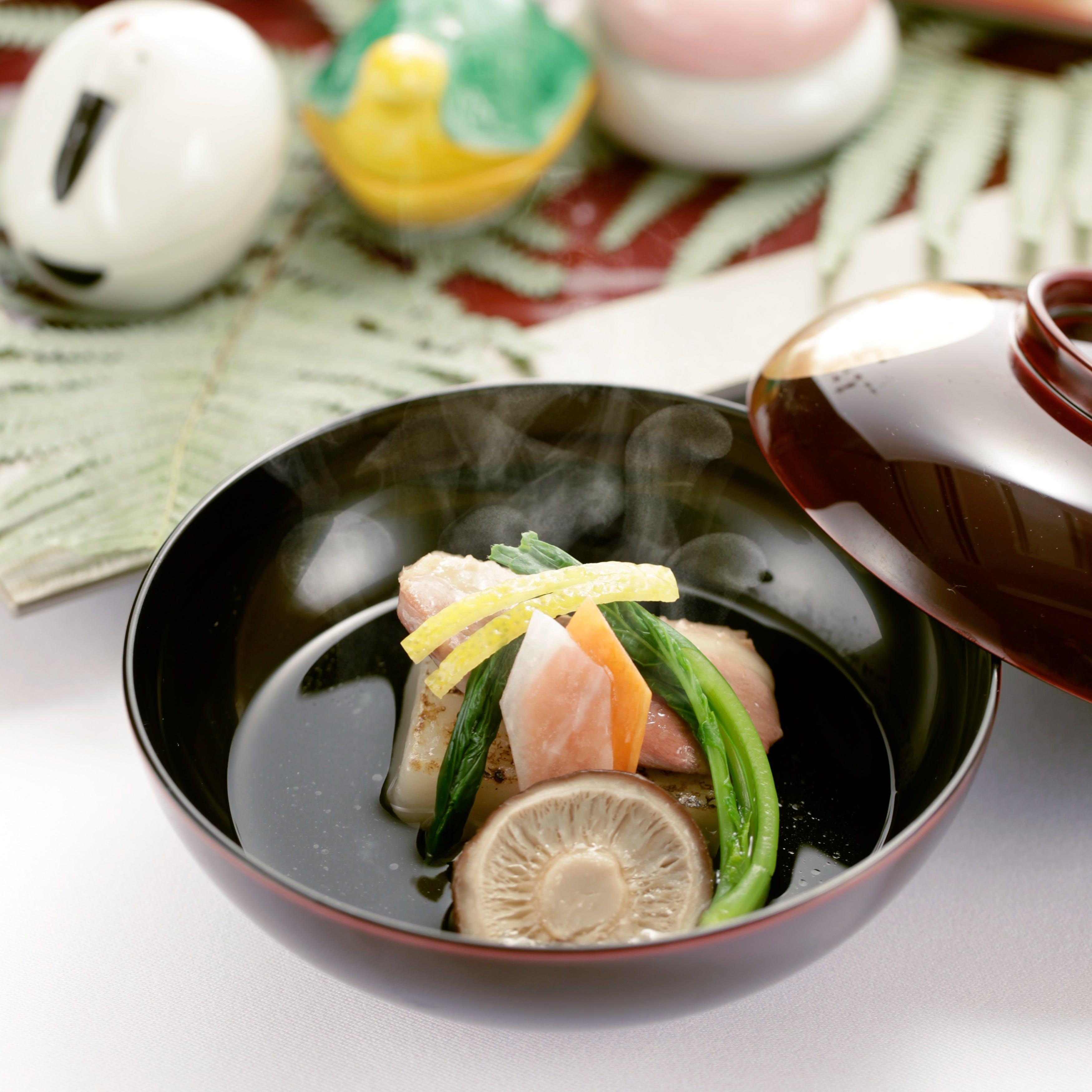 伝統の技法と現代的な料理スタイル。厳選された素材を艶やかに美味しく!